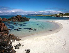 Shell-sand beach on Iona